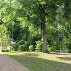 Eingang am Lehrerparkplatz